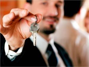 Мужчина с ключами