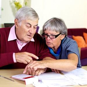 Пенсионеры с калькулятором